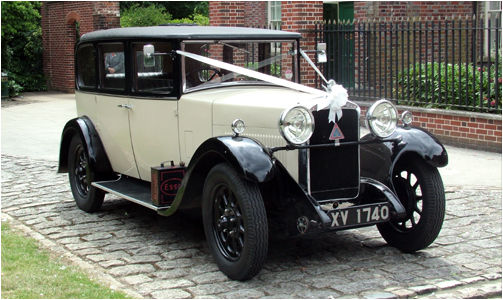 1928 Vintage Hillman in ivory and black